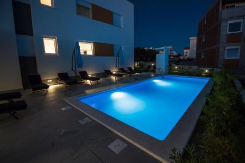 Bazén v ubytovaní Pool Apartments & Rooms Mare alebo v jeho blízkosti