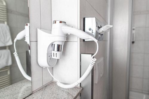 A bathroom at PLAZA Hotel Buchhorner Hof