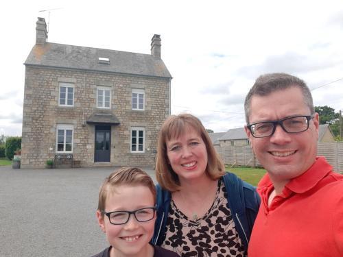 Famille séjournant dans l'établissement La Bouyardière