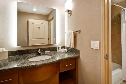 A bathroom at Homewood Suites by Hilton Boise
