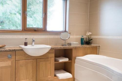 A bathroom at The Redgarth