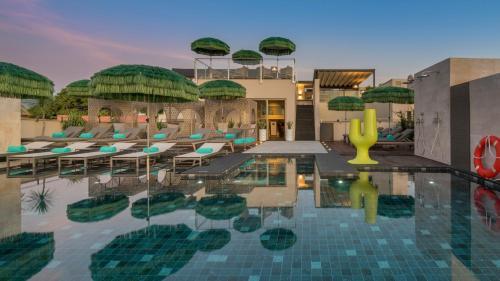 Der Swimmingpool an oder in der Nähe von El Llorenc Parc de la Mar - Adults Only (+16)