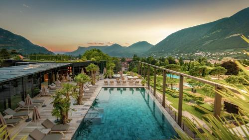 A view of the pool at Hotel Therme Meran - Terme Merano or nearby