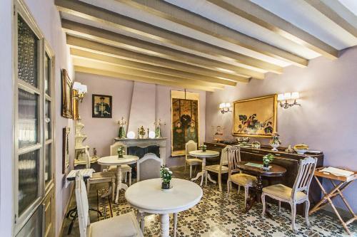 Restauracja lub miejsce do jedzenia w obiekcie Can Isabel