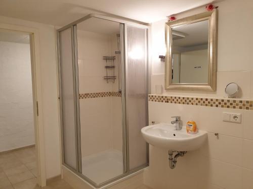 A bathroom at Simple & Central