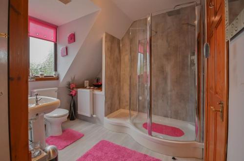 A bathroom at An Ceitean Bed&Breakfast