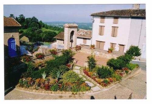 Logis L'Auberge du Quercy Blanc Molieres, France
