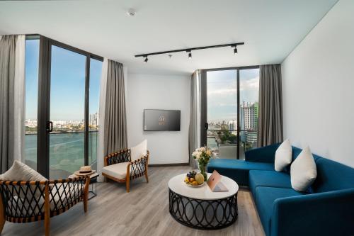 A seating area at Haian Riverfront Hotel Da Nang