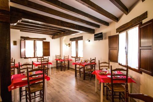 Un restaurante o sitio para comer en Pasaje San Jorge