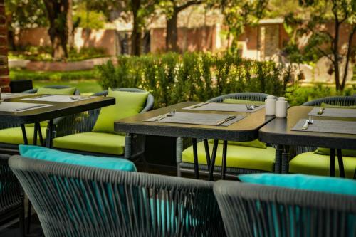 Un restaurante o sitio para comer en Casa Salles Hotel Boutique