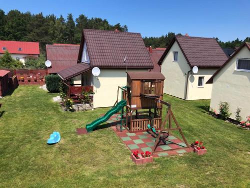 Plac zabaw dla dzieci w obiekcie domki rainers