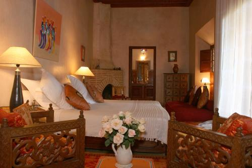 Ein Sitzbereich in der Unterkunft Riad Samsara