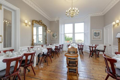 A restaurant or other place to eat at The Inverleith