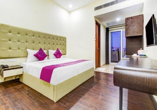 Hotel Mavens Orange Gurgaon