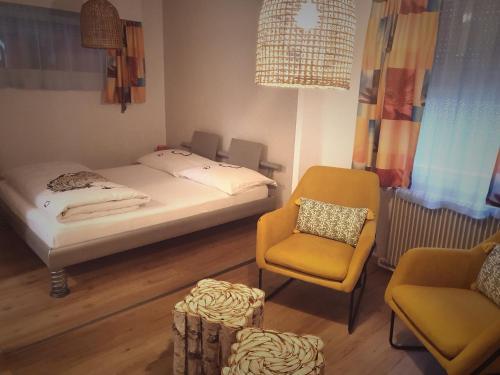 """Un ou plusieurs lits dans un hébergement de l'établissement Motel - Hôtel """"Inter-Alp"""" à St-Maurice"""