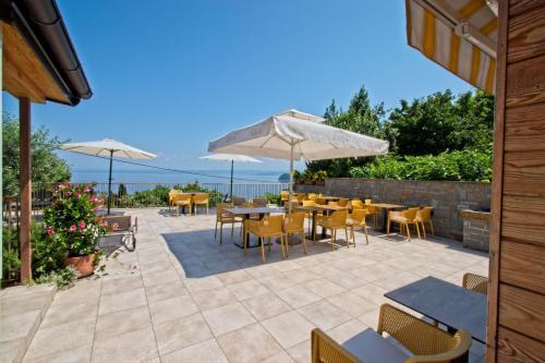 Restaurant ou autre lieu de restauration dans l'établissement Guesthouse Opara