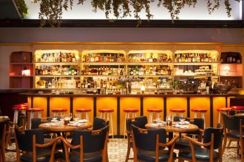 De lounge of bar bij The Standard - East Village