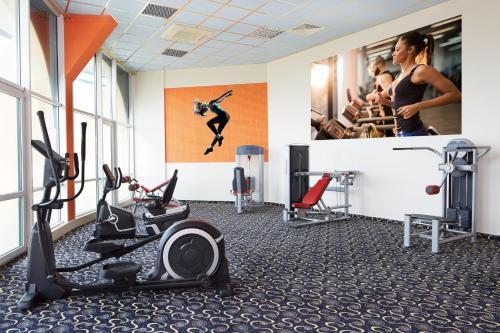 Gimnasio o instalaciones de fitness de Planeta Hotel & Aquapark - All Inclusive