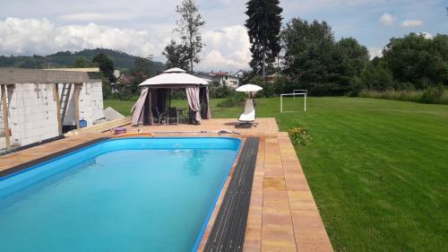Bazén v ubytování Penzion Mirabel nebo v jeho okolí