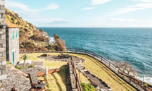 Uma vista aérea de Abrigo da Cascata - Casas de Campo - São Jorge