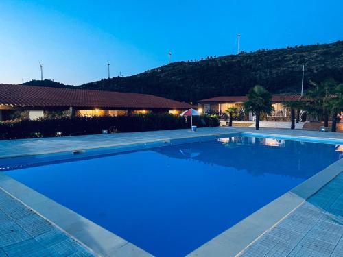 The swimming pool at or near Gojim Casa Rural