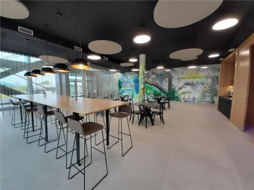 Lounge oder Bar in der Unterkunft Office Base Bad Vöslau MOTEL