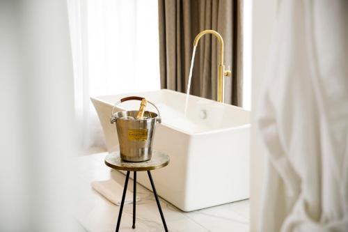 A bathroom at Lanelay Hall Hotel & Spa
