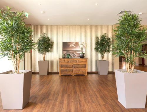 The lobby or reception area at Dom Pedro Marina