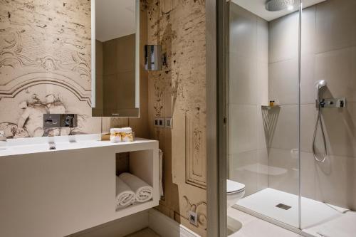 A bathroom at Boutique Hotel Posada Terra Santa