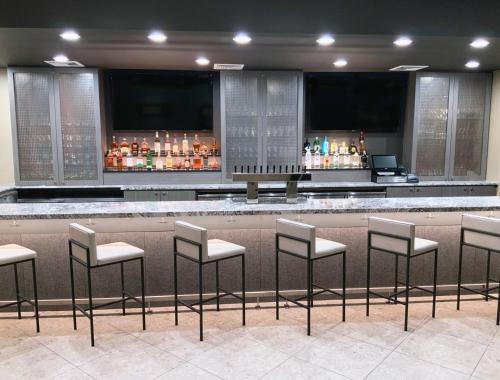 The lounge or bar area at DoubleTree by Hilton Madison Downtown