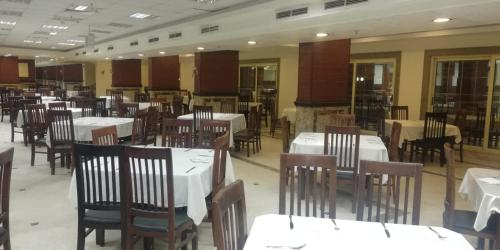A restaurant or other place to eat at Tolip Inn Sharm Spa and Aqua Park