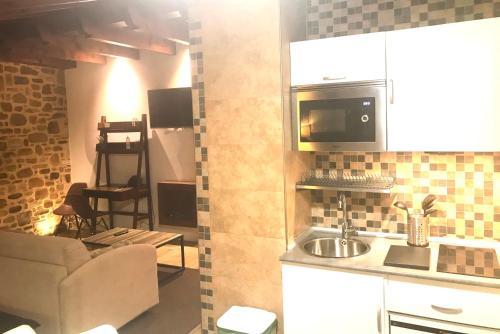 Una cocina o zona de cocina en Osabarena Hotela