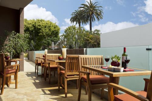 Restaurant ou autre lieu de restauration dans l'établissement Elan Hotel