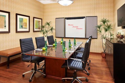 Espace de conférence ou salle de réunion dans l'établissement Elan Hotel