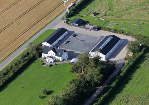 Et luftfoto af Vestbjerg Apartments
