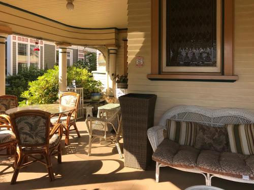 A seating area at Haterleigh Heritage Inn