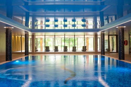 The swimming pool at or close to Sopotorium Hotel & Medical Spa