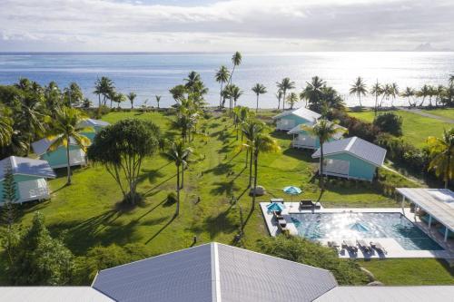 Uma vista aérea de Hôtel Raiatea Lodge