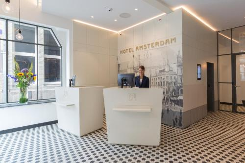 The lobby or reception area at Hotel Amsterdam De Roode Leeuw
