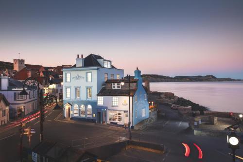 Rock Point Inn