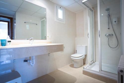 Salle de bains dans l'établissement Mallorca Rooms Peguera