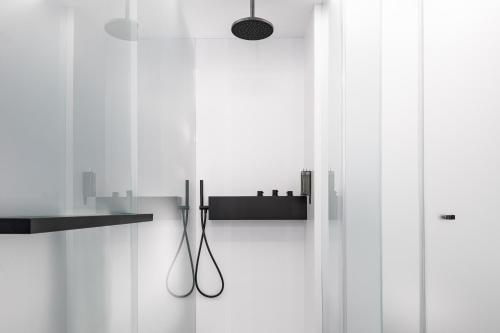 A bathroom at A-STAY Antwerp
