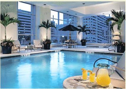 The swimming pool at or near Marriott Salt Lake City Center