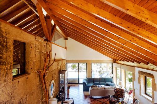 Zona de estar de Bosque de Xarás, casa completa con encanto