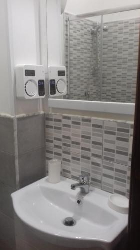 A bathroom at B&B FRANCESCA
