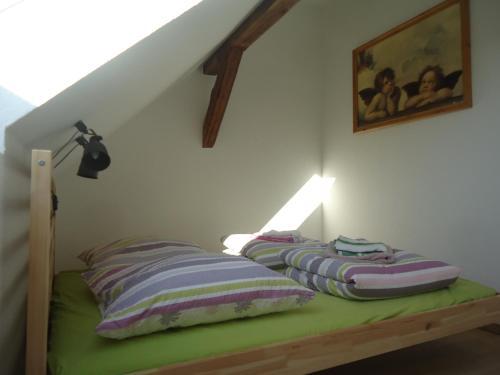 Ein Bett oder Betten in einem Zimmer der Unterkunft Zur alten Jugendherberge