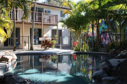 The swimming pool at or near Pippies Beachhouse