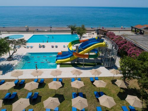 Pearl Beach Hotel & Resort