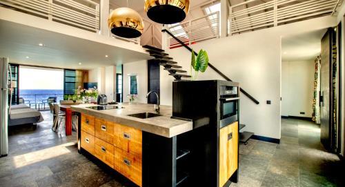 Een keuken of kitchenette bij Pietermaai Boutique Hotel
