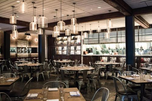 A restaurant or other place to eat at The Joule